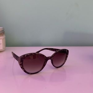 Jessica Simpson sunglasses